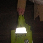 Universal-Reflektor: dieser macht jede Tragtasche zu einem wirksamen Reflektor